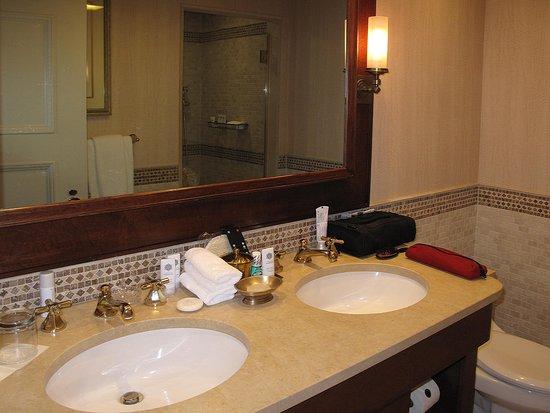 The St. Regis Washington, D.C.: St Regis Washington DC   Room 812 Bathroom