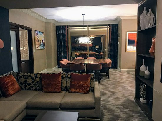 Wonderful Mandalay Bay Resort U0026 Casino: 2 Bedroom Penthouse Suite