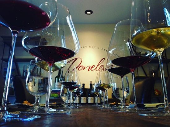 Santa Rosa, CA: A peek into the Donelan Family Wines tasting room