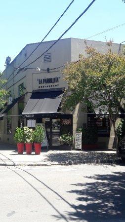 La Parrillita Restaurant: Frente en la esquina de 49 y 17