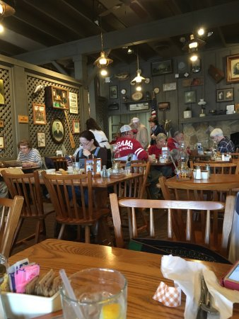 Calera, AL: Seating Area With Alabama Fan