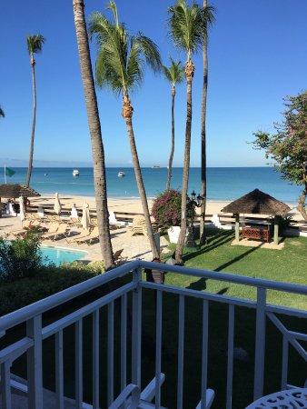 Sandals Grande Antigua Resort & Spa: Honeymoon beach front second floor