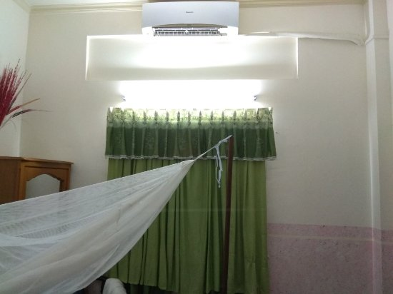 Chambres D Hotes Mekong Logis The Basic Room Clean High Ceiling