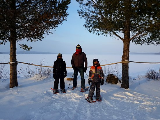 Sundridge, Canada: Snowshoeing - on the dock