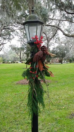 Christ Church: Lamp Post decorated for Holidays