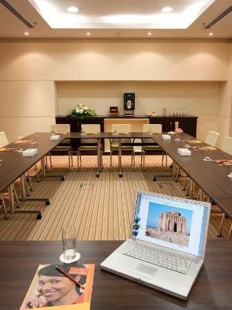 meeting muscat room Seeb meeting rooms 1 and 2 both boardrooms can accommodate upto 10 people with newly added conference tables equipped with the latest technology as well as coffee and tea making machines.