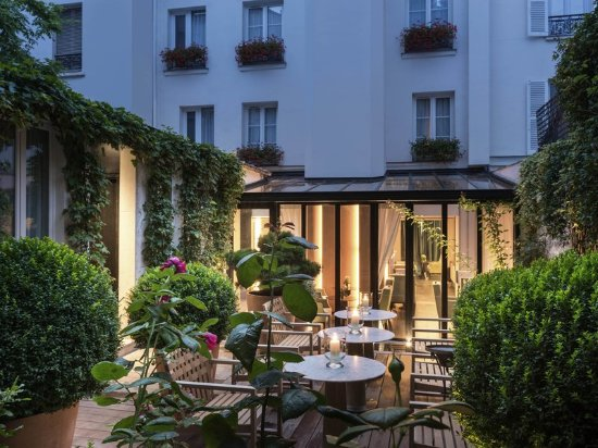 Mercure Paris Champs Elysees: Exterior
