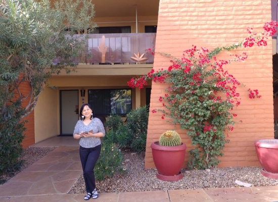 Best Western Royal Sun Inn & Suites: In front of our ground floor room 313