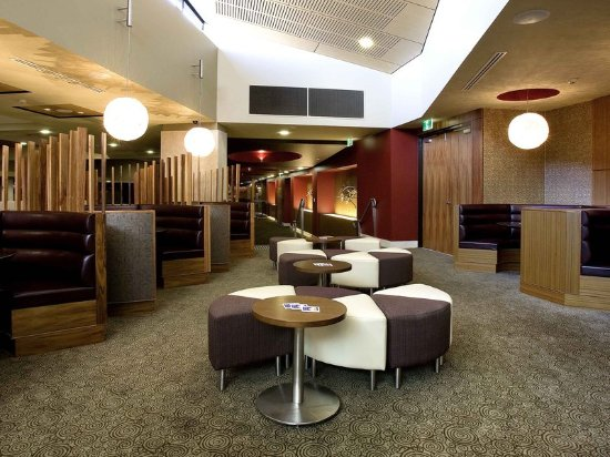 Mercure Sydney Liverpool: Lobby
