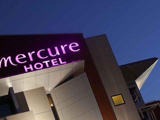 Mercure Sydney Liverpool: Exterior