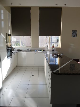 Flinders Landing Apartments: Kitchen