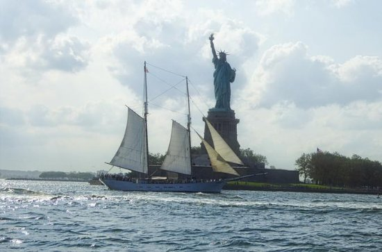 New York Harbor, Statue of Liberty...