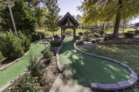 Property amenity picture of holiday inn club vacations for Piney shores resort cabine