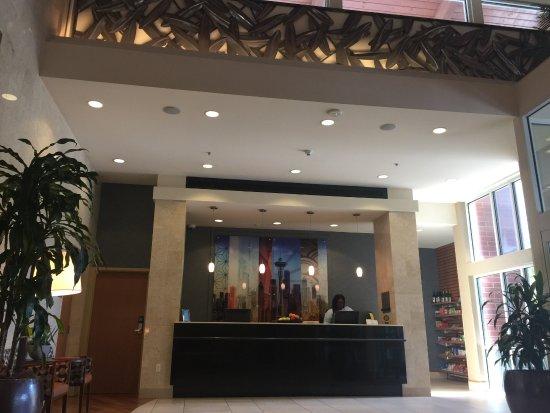 Hyatt House Seattle/Bellevue: Reception