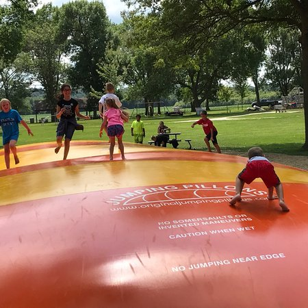 Hillsdale, IL: Grandkids love this place!