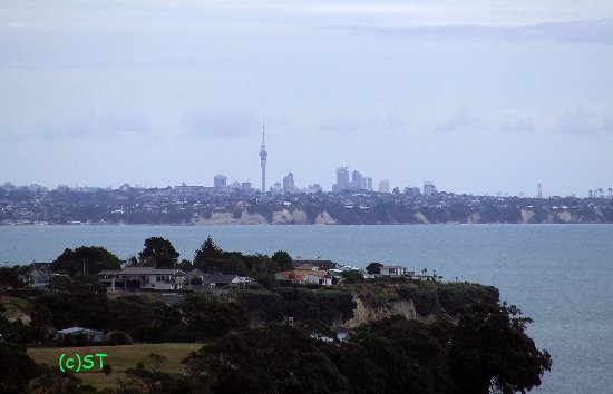 Maraetai Bay, New Zealand: Sky Tower view