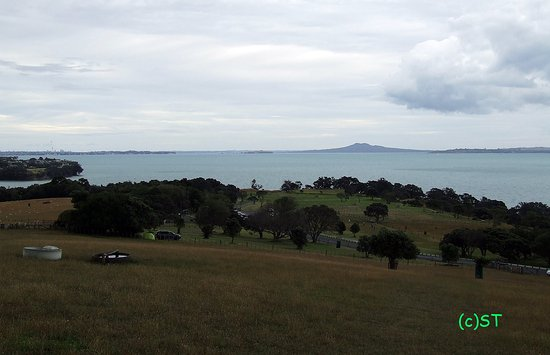 Maraetai Bay, New Zealand: Rangitoto View