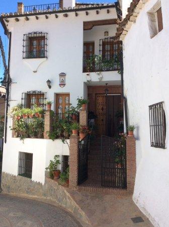Benalauría, España: Beautiful homes/white village