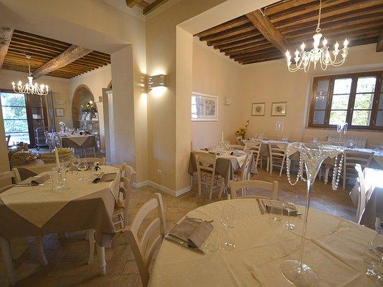 Santa Luce, Italie : interno ristorante
