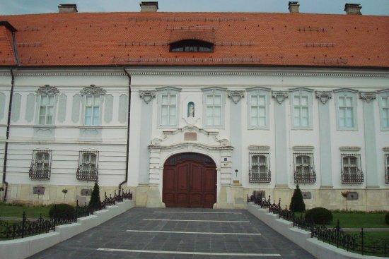 Dakovo, Croacia: Bishop's palace