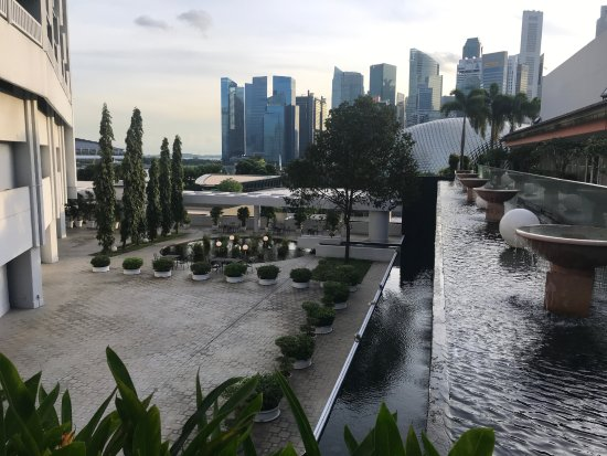 Marina mandarin singapore updated 2018 prices hotel for Pool garden marina mandarin