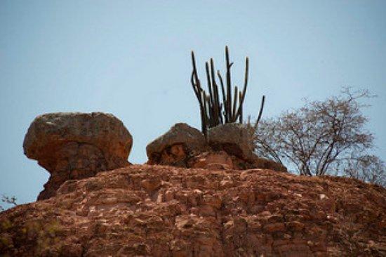 Araripina, PE: Morro da Pedra Magica