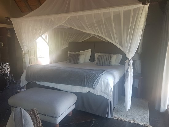 Timbavati Private Nature Reserve, Sudáfrica: Spacious and comfy sleeping arrangements.