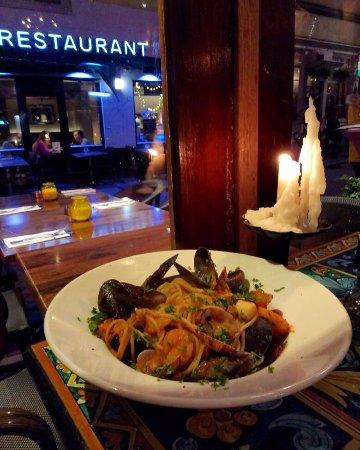 Saturnino: Паста с морепродуктами, такая, что морепродуктов в ней столько же. сколько и спагетти!