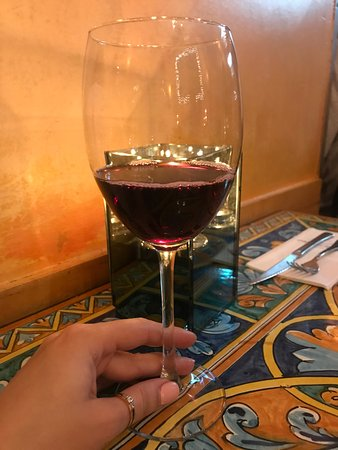 Saturnino: Вкуснейшее вино Ламбруско