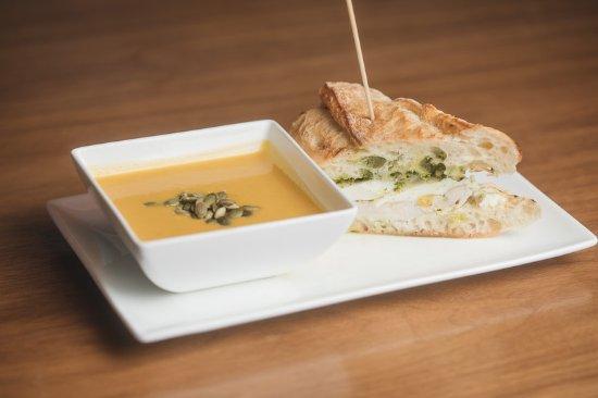 The Geneva Inn Restaurant & Patio: Food