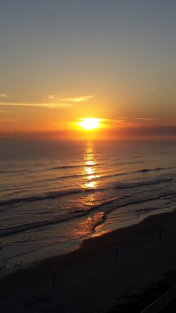 Ocean Trillium Suites: A beautiful sunrise