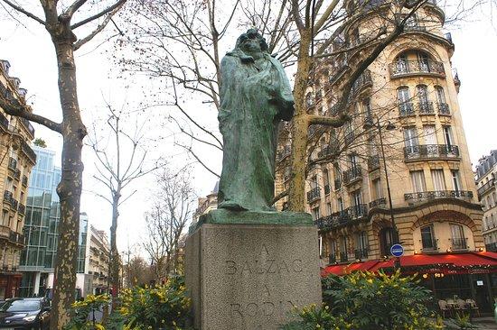 Monument a Balzac par Rodin