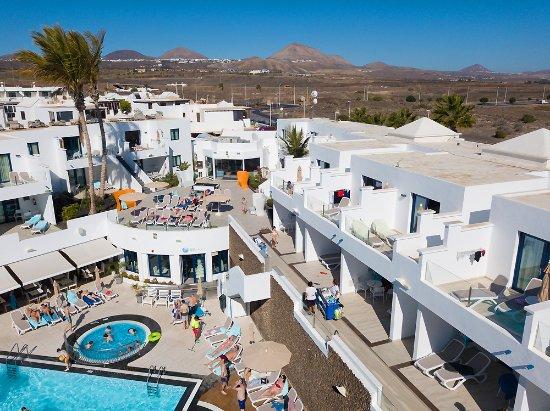 Pool - Picture of Aqua Suites, Lanzarote - Tripadvisor
