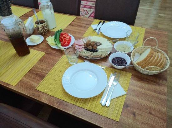 Vadu Izei, Romanya: Breakfast