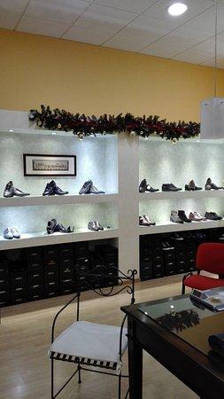 Ponzano di Fermo, İtalya: il nostro punto vendita