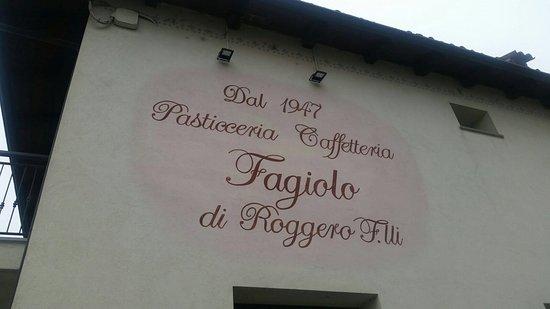 Busca, İtalya: Esterno