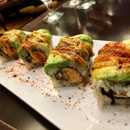 naked-fish-sushi-restaurant-hot-naked-women-masturbates