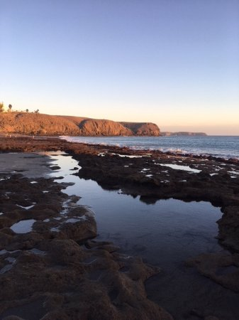 Gran Castillo Tagoro Family & Fun: Main beach (tide out) with cliffs that can be climbed with sandy beaches 15-20 mins walk