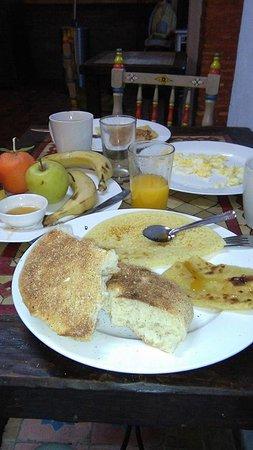 Hotel Riad Casa Hassan Restaurante: Pequeno Almoço delicioso