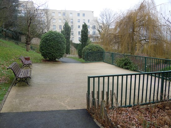 Terrasse méditerranéenne - Picture of Jardin Botanique, Issy ...