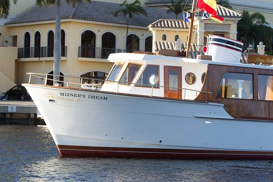 Дирфилд-Бич, Флорида: Mizners Dream is a vintage vessel restored for private yacht tours in Boca Raton, FL