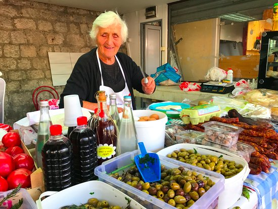 Bokun : Selection of olives, cheeses and meats in the Kotor local market