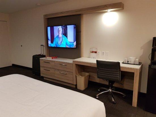 The Canoga Hotel: 20180108_212719_large.jpg