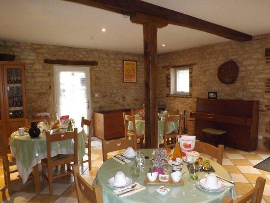 Montigny-les-Monts, Prancis: Salle à manger