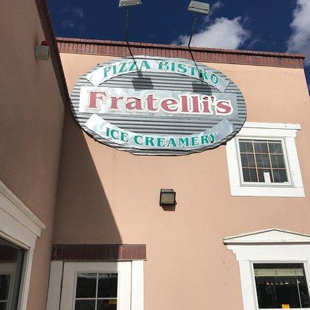 写真Fratelli's Pizza Bistro and Ice Creamery枚