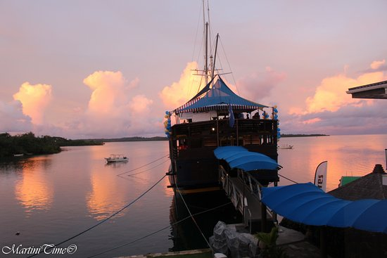 "Colonia, Micronésia: where we eat at the resort ""Das Boat"""