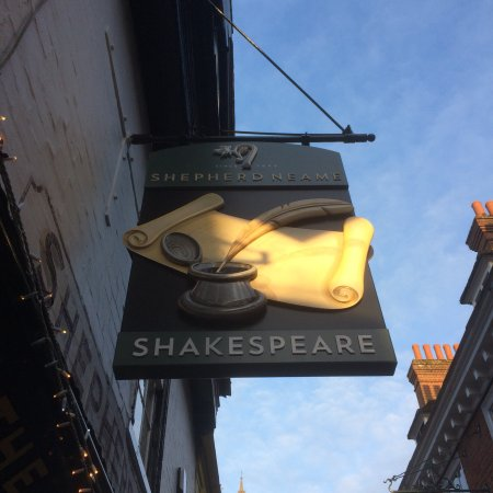 Canterbury, UK: The Shakespeare, Butchery Lane - new pub sign
