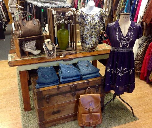 Gardiner, NY: Uptown Attic provides today's consignor and shopper with a fun, positive and rewarding experienc