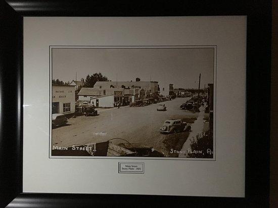 Stony Plain, Canadá: Love the old photos on display.