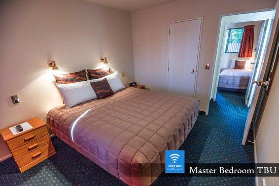 Timaru, Nieuw-Zeeland: Two Bedroom Unit - Master Bedroom